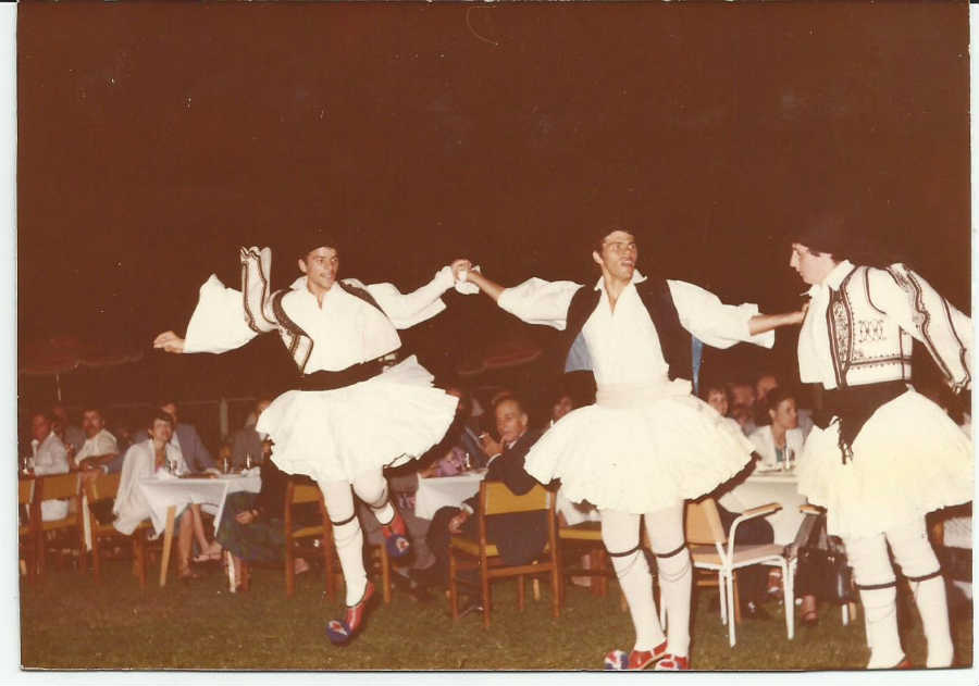 """1980-06: Ελληνική βραδιά στο Ξενοδοχείο """"Achaia Beach"""""""