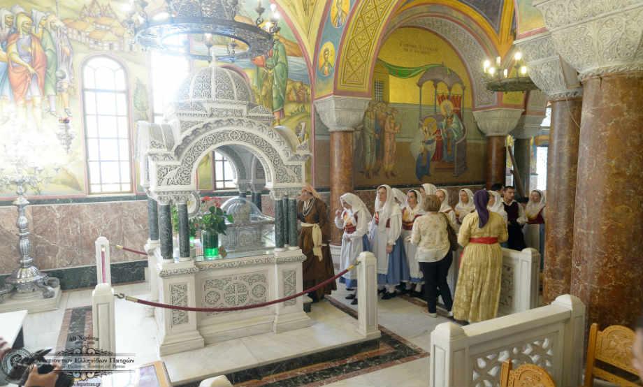 2016-10-14: Προσκύνημα των Λυκείων στον Πολυούχο της Πόλης, Άγιο Ανδρέα για τον Εορτασμό των 40 Χρόνων του Λυκείου των Ελληνίδων Πατρών. Συνάντηση με τον Μητροπολίτη Πατρών