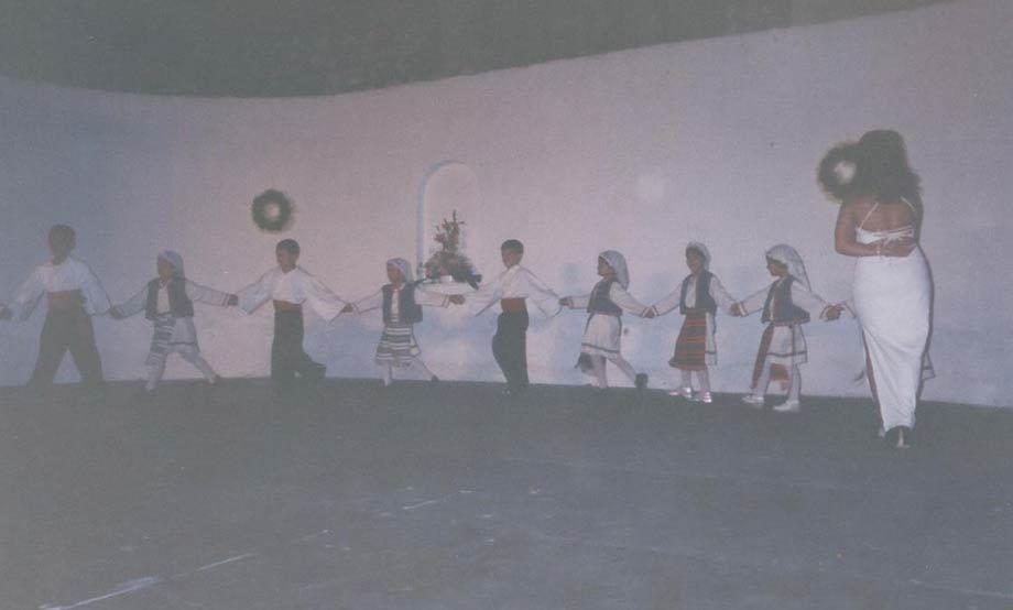2001-06-18 - Παιδική Παράσταση στο Λαϊκό Θέατρο
