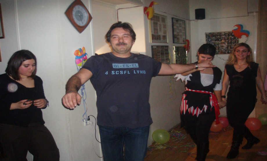 2008-02: Αποκριάτικο Γλέντι στη αίθουσα του Λυκείου των Ελληνίδων