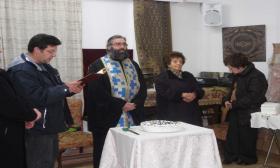 2012-01-28Α: Κοπή Πίτσας στην Αίθουσα του Λυκείου Ελληνίδων