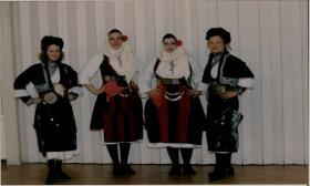 2001-04-30: Εκδηλώσεις για την Πρωτομαγιά στα Υψηλά Αλώνια