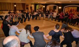 2011-04-08: Γλέντι στο Κέντρο Συμπόσιο