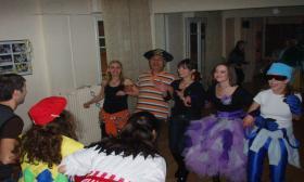 2009-02: Αποκριάτικο πάρτι στην αίθουσα του Λυκείου των Ελληνίδων